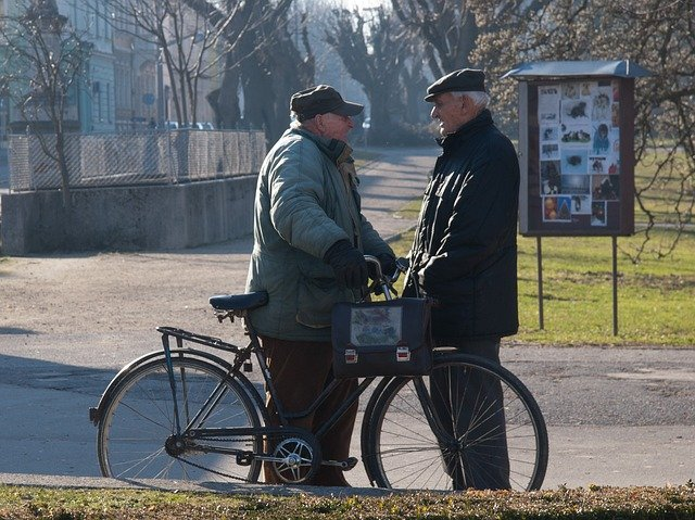 dva důchodci