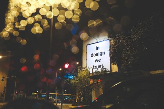 světelná reklama, informační cedule